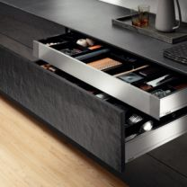 """Voorgemonteerd  Binnenlade - Legrabox M  """"Blumotion"""" Inbouwhoogte: 10.4 cm"""